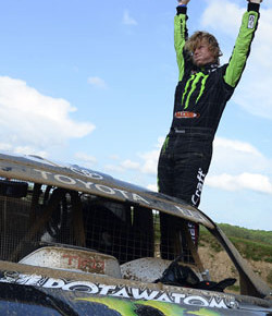 CJ Greaves wins back-to-back victories in Pro 2 at Crandon.